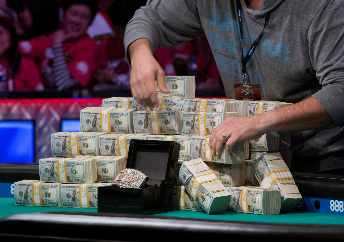 How I Make Money by Gambling Smartly